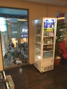 ペットボトル,キッザニア,値段,高い,水,180円,持ち込み可能,お茶,