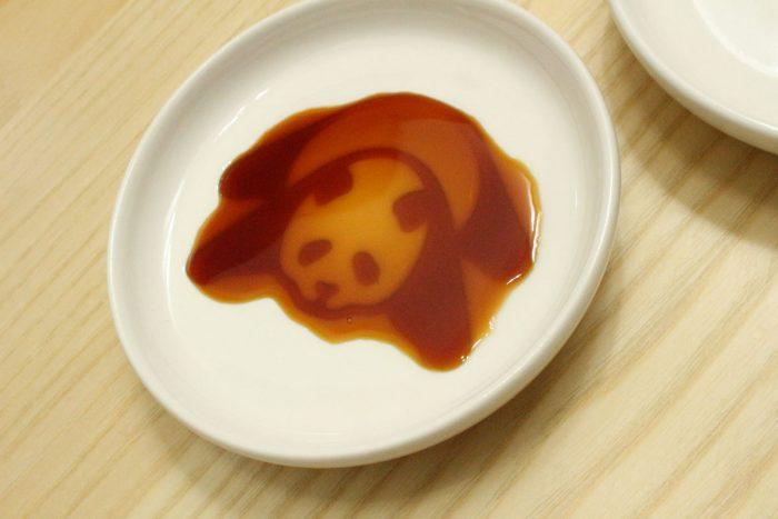 動物の柄が浮き出る醤油皿,パンダ,レビュー,かわいい,ほっこり,食器,チャイナ,陶器,お刺身