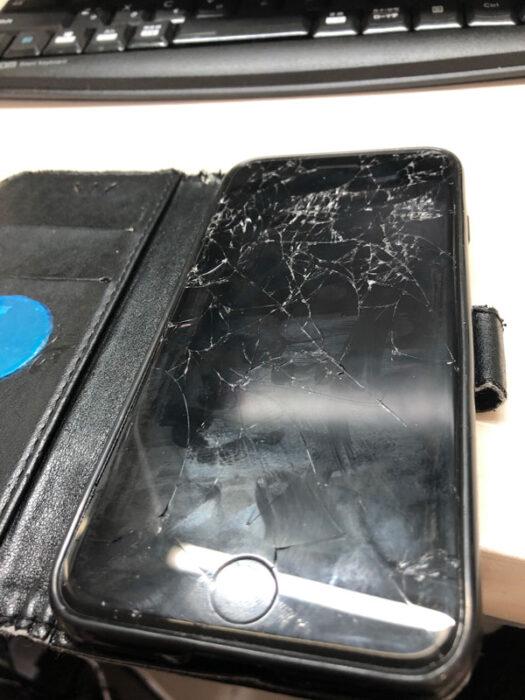 iPhone,大破,画面,重症とは,金額,修理,スマホ,スクリーン